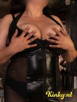 Claudia - Genieten van mijn heerlijke borsten en ervaring.