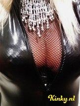 ts-melissa-glamour-prive-ontvangst-via-kinky-60d24ca22b24d575dd633c93