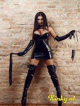 bizarr-lady-selena-bdsm-via-kinky-5e2b04c71146fa944285b9c9