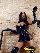 bizarr-lady-selena-bdsm-via-kinky-5e2b04c64fe4325ac205da0f